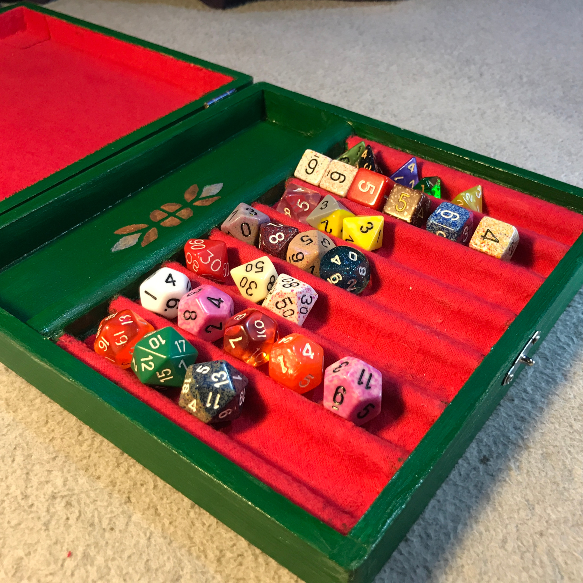 Dice Sorting and Rolling Tray